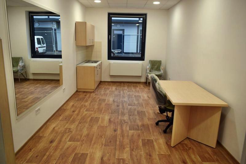 Konyhabútor vagy irodabútor, konyhapult íróasztallal